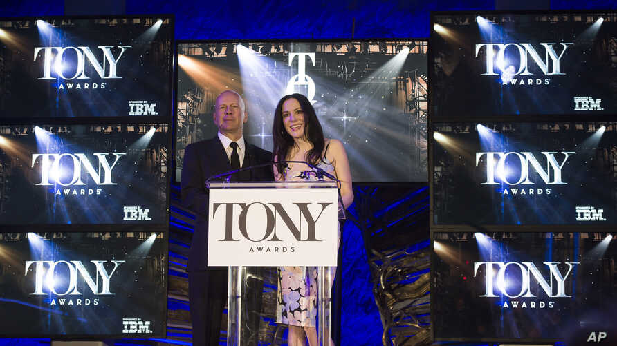 Bruce Willis and Mary-Louise Parker announce the 69th Annual Tony Award nominations at The Paramount Hotel, April 28, 2015, in New York.