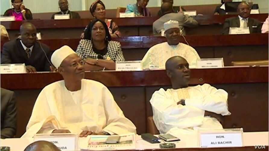 Cameroon lawmakers deliberate at the National Assembly, in Yaounde, Cameroon, April 8, 2017. Parliamentarians have been unable to effectively address tensions between the country's francophone and anglophone communities. (M.E. Kindzeka/VOA)