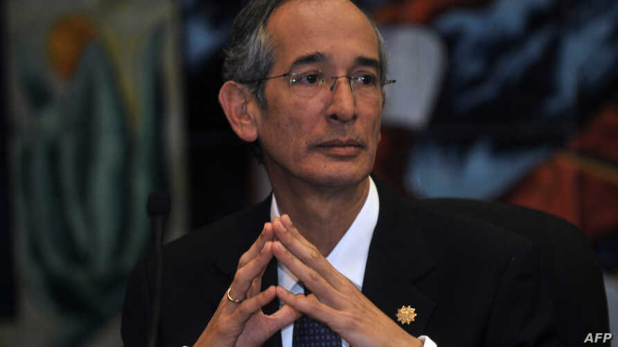 """FILE - Guatemala's then-President Alvaro Colom, Oct. 1, 2010, described as """"crimes of lese-humanity"""" the study conducted by the United States more than 60 years ago in Guatemala in which U.S.-led researchers infected hundreds of people with syphilis"""