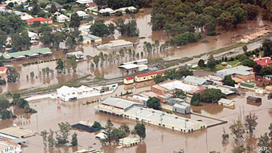 Drenching rains unleashed by a tropical cyclone have left vast tracts of Queensland state under water, Australia, 29 Dec 2010