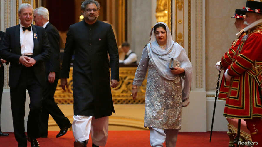 Pakistan's Prime Minister Shahid Khaqan Abbasi arrives to attend The Queen's Dinner during The Commonwealth Heads of Government Meeting at Buckingham Palace in London, April 19, 2018.