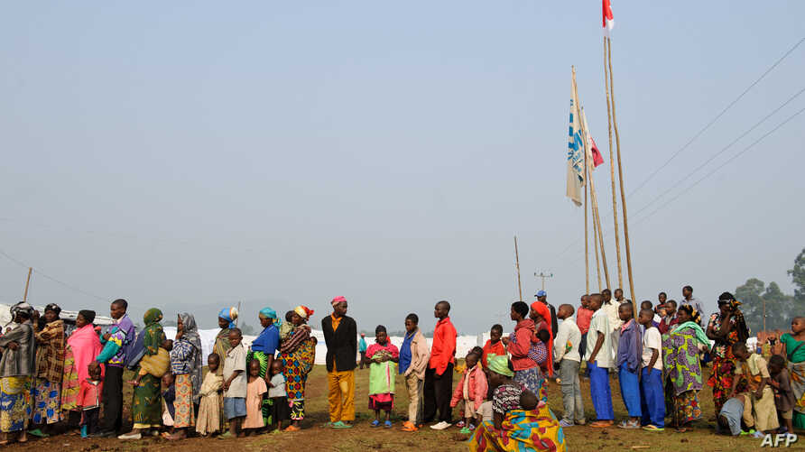 Several thousand Congolese refugees have crossed the Ugandan border, July 22, 2012.