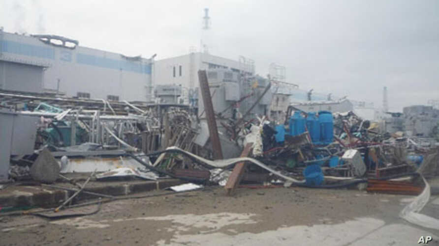 The crippled Fukushima Daiichi Nuclear Power plant is seen in Fukushima Prefecture in this undated handout photo released by Tokyo Electric Power Co, 14 Apr 2011