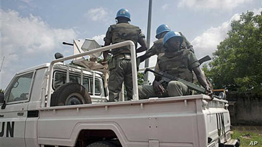United Nations soldiers from Senegal patrol the streets of Abidjan, Ivory Coast, Dec 9, 2010 (file photo)