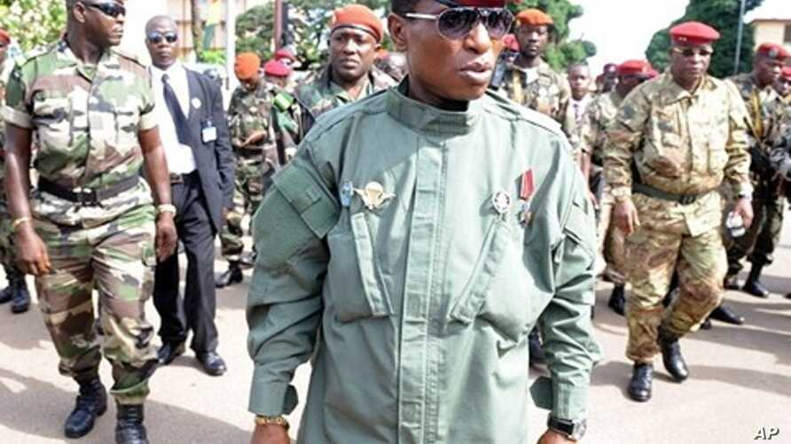 Guinea's military ruler Captain Moussa Dadis Camara (Oct 2009 file photo)