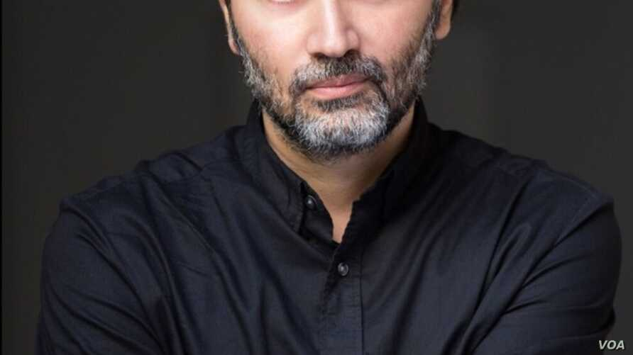 """Syria's native movie director Talal Derki, whose documentary """"Of Fathers and Sons"""" is shortlisted for the Oscars in 2019. (Kahtan Hasson for VOA)"""