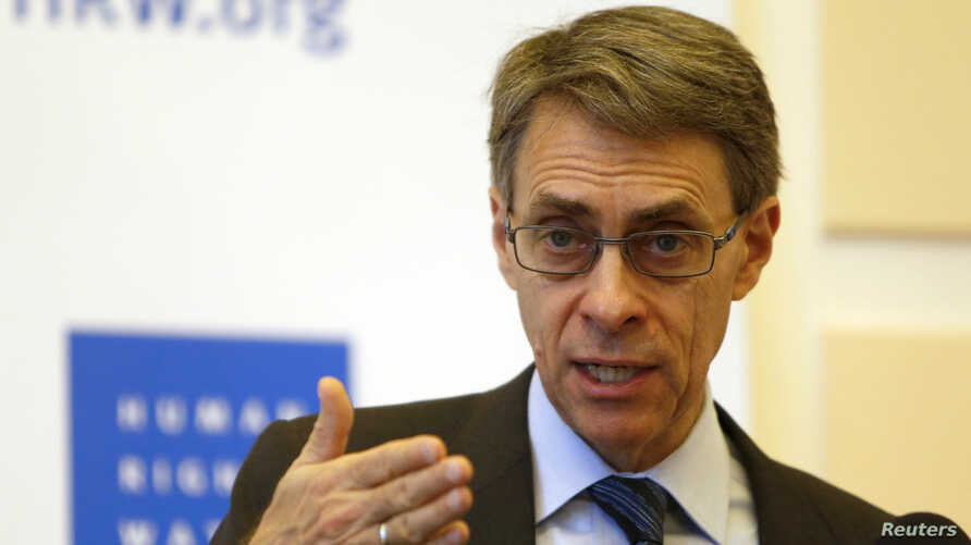 Human Rights Watch Executive Director Kenneth Roth speaks during a conference in Beirut, Jan. 29, 2015.