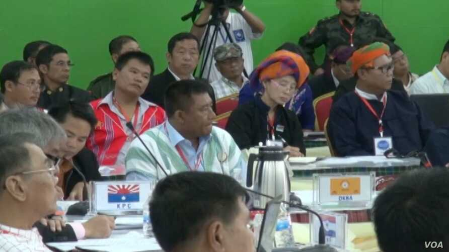 Members of various ethnic groups in Burma attend a conference in Laiza at the headquarters of the Kachin Independence Organization, Oct. 30, 2013.