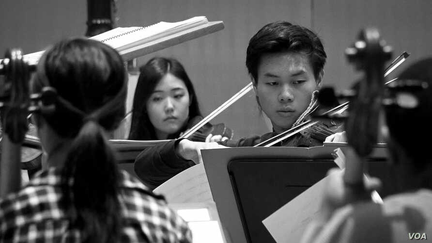 "Juilliard students rehearse for the closing night concert of the 2018 Focus! Festival, ""China Today."""
