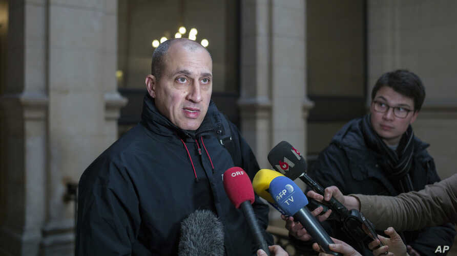 """Chief suspect Vjeran Tomic faces the media in Paris, Feb. 20, 2017.  Accused of involvement in one of the world's biggest art heists, the """"Spiderman"""" was found  guilty and sentenced to eight years in prison."""