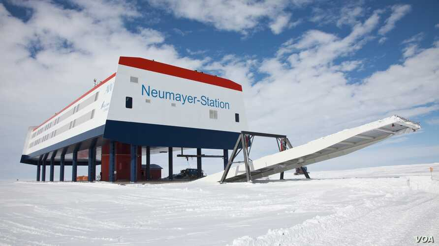 Researchers at Germany's Neumayer Station III recently picked 3.6 kilograms of salad greens, 18 cucumbers and 70 radishes grown in an experimental greenhouse as temperatures outside dropped below minus 20 degrees Celsius. (Alfred-Wegener-Institut /Th