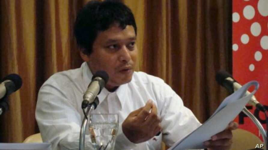 Zaw Win, the MEMO 88 coordinator for Burma, says the limited access to  news left many Burmese reliant on foreign radio broadcasters, 05 Nov 2010