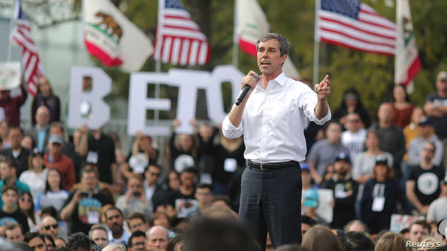 US Democratic presidential candidate Beto O'Rourke speaks at a rally in Los Angeles, California, U.S., April 27, 2019.