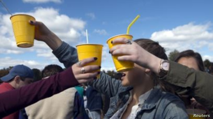 Campus Connection - Alcohol Use and Abuse on College Campuses