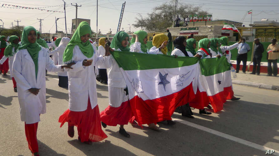 FILE - Women march in a procession to celebrate the 25th anniversary of Somaliland's proclaimed independence in the capital, Hargeisa, May 18, 2016. The 28th anniversary will be observed Saturday.