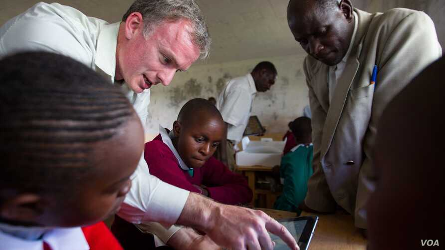 Microsoft 4Afrika introducing devices in schools.