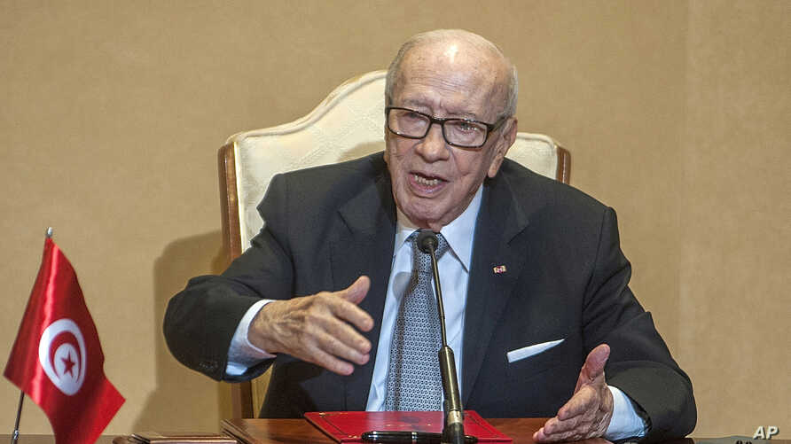 Tunisian President Beji Caid Essebsi gestures during a press conference in Tunis, Oct. 25, 2018.