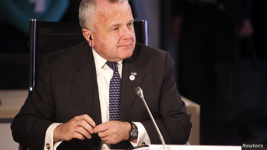 U.S. Deputy State Secretary John J. Sullivan attends the round table during the G7 Foreign Ministers meeting in Dinard, France, April 5, 2019.