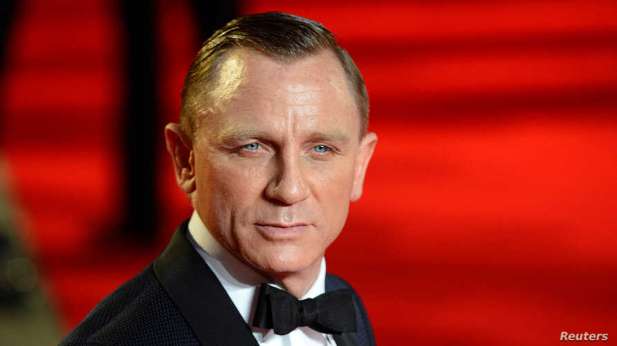 """Actor Daniel Craig arrives for the royal world premiere of the new 007 film """"Skyfall"""" at the Royal Albert Hall in London October 23, 2012."""