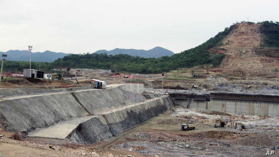 """FILE - Construction work takes place at the site of the Grand Ethiopian Renaissance Dam near Assosa, Ethiopia, June 28, 2013. Egypt says negotiations over an upstream Nile dam being built by Ethiopia have not led to any """"breakthrough."""""""