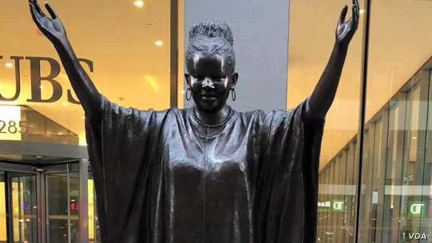 "Tererai Trent is one of 10 ""Statues For Equality"" created by sculptors Gillie and Marc Schattner. (VOA/ Marvelous Nyahuye)"