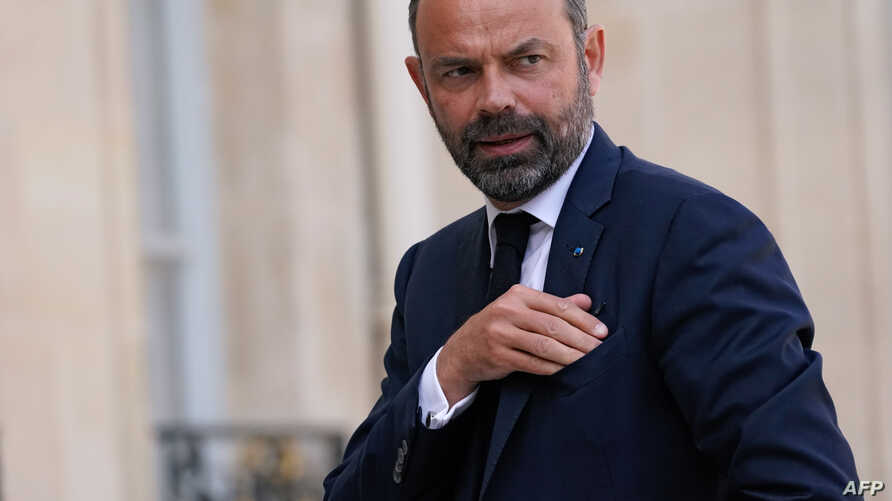 French Prime minister Edouard Phillipe arrives at the Elysee palace on April 18, 2019 in Paris, before a meeting between French…