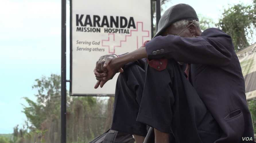 The Karanda Mission Hospital, about 200 kilometers north of Harare, Zimbabwe, is overwhelmed by patients seeking treatment. (Columbus Mavhunga/VOA)
