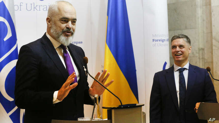 OSCE Chairperson in Office, Albania's Prime Minister Edi Rama, left, and Ukrainian Foreign Minister Vadym Prystayko speak at a news conference in Kyiv, Ukraine, Jan. 20, 2020.