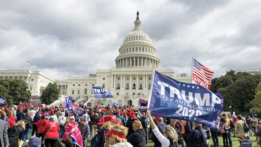 Supporters of President Donald Trump rally outside Capitol Hill in Washington, DC. (Photo: Diaa Bekheet)
