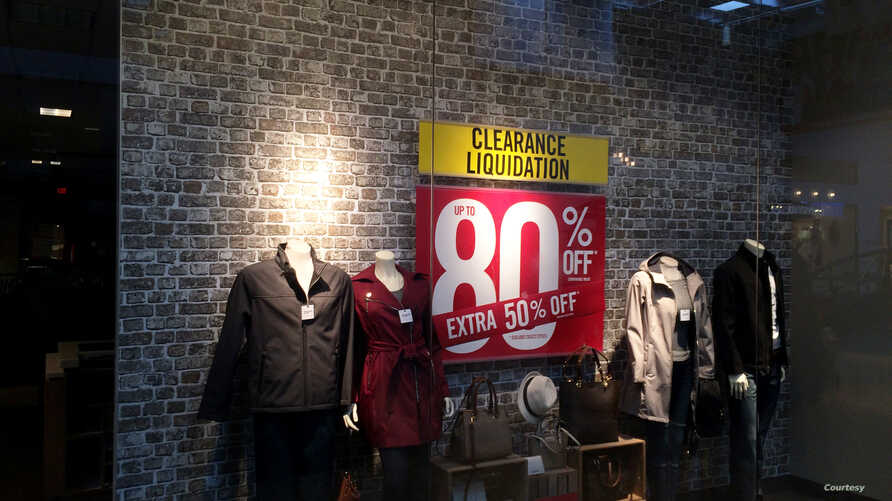 A store in Virginia is offering large discounts to customers. (Photo: Diaa Bekheet)