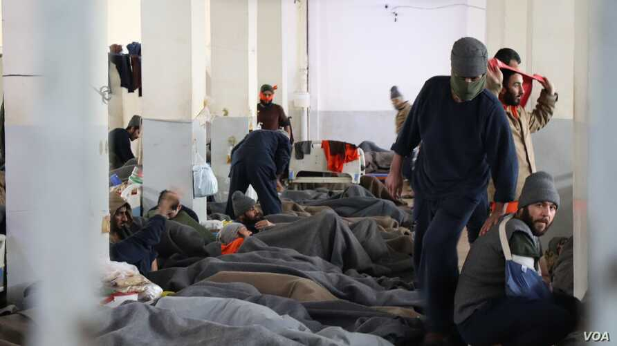 Prison guards say they worry about jailbreaks, as inmates grow more and more frustrated on Feb. 16, 2020 in Hasseka, Syria. (Heather Murdock/VOA)