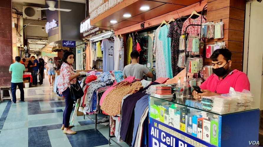 The pandemic started raging in India after cities opened for business in June following a long shutdown. (Photo: Anjana Pasricha/VOA)