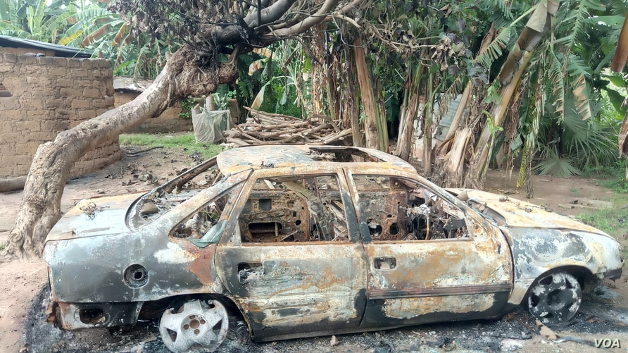 A burned car in Kurmin Masara village in Kaduna after gunmen attacked the village Aug. 6, 2020, killing tens of people. (Timothy Obiezu/VOA)