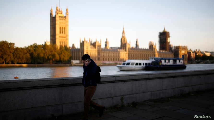 The sun rises over the Houses of Parliament in London, Britain, September 10, 2020. REUTERS/Henry Nicholls