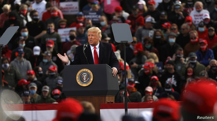 U.S. President Donald Trump holds a campaign rally in Londonderry, New Hampshire, U.S. October 25, 2020. REUTERS/Leah Millis
