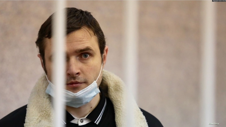 Belarusian blogger Paval Spiryn at a court hearing in Minsk last month. (Courtesy photo)