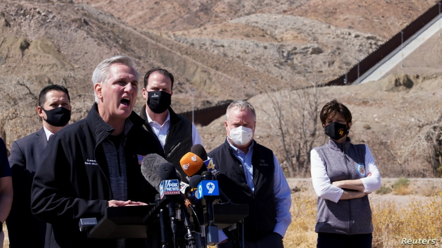 House Minority Leader Kevin McCarthy speaks to the press during a tour for a delegation of Republican lawmakers of the US…