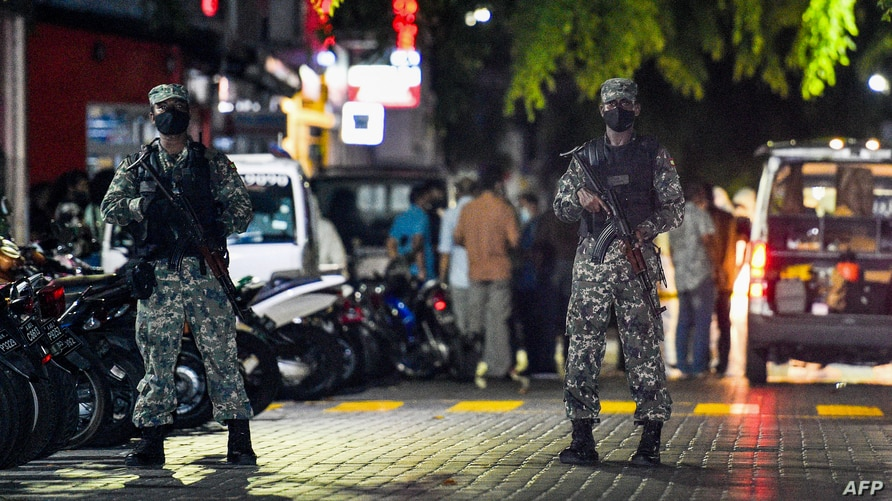 Soldiers secure a site after a bomb blast injured former Maldives president and current parliament speaker Mohamed Nasheed in…