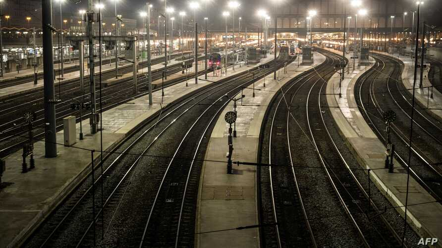 A picture taken on December 5, 2019 shows a view of the Gare du Nord in Paris during a strike of Paris public transports…