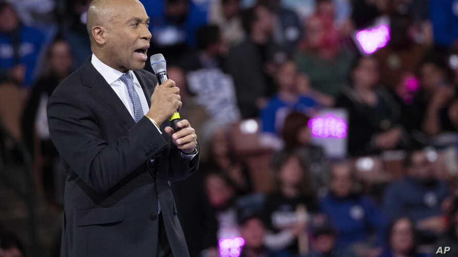 Democratic presidential candidate former Massachusetts Gov. Deval Patrick speaks during the McIntyre-Shaheen 100 Club Dinner,…