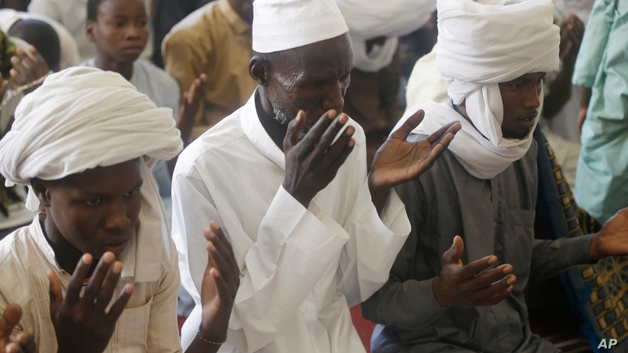 Muslims perform Friday prayers during the holy fasting month of Ramadan, at a Grand mosque in N'Djamena, Chad, Friday, April 30…