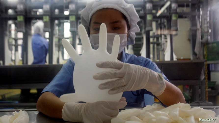 FILE PHOTO: Labour issues prompt U.S. bar on imports of Malaysia's Top Glove