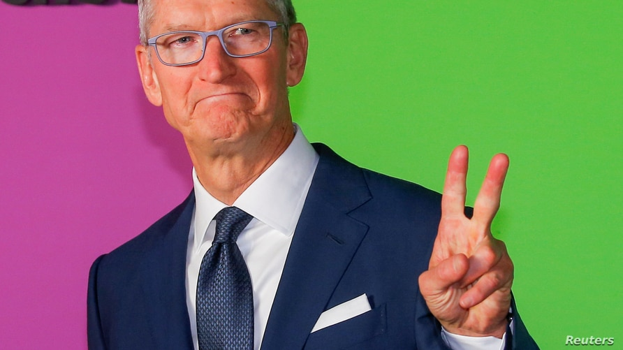 """FILE PHOTO: Apple CEO Cook arrives to the global premiere for Apple's """"The Morning Show"""" at the Lincoln Center in the Manhattan borough of New York"""