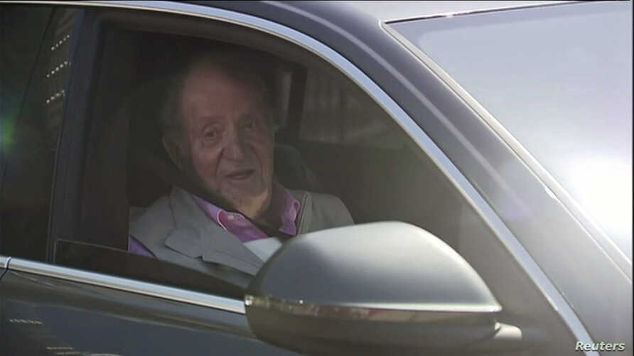 Former Spain's King Juan Carlos sits in a car as he leaves Quiron Hospital one week after a heart surgery in Madrid, Spain, August 31, 2019 in this still image taken from a video obtained by Reuters. Forta/ReutersTV via REUTERS    ATTENTION EDITORS - THIS IMAGE HAS BEEN SUPPLIED BY A THIRD PARTY. SPAIN OUT. NO COMMERCIAL OR EDITORIAL SALES IN SPAIN.