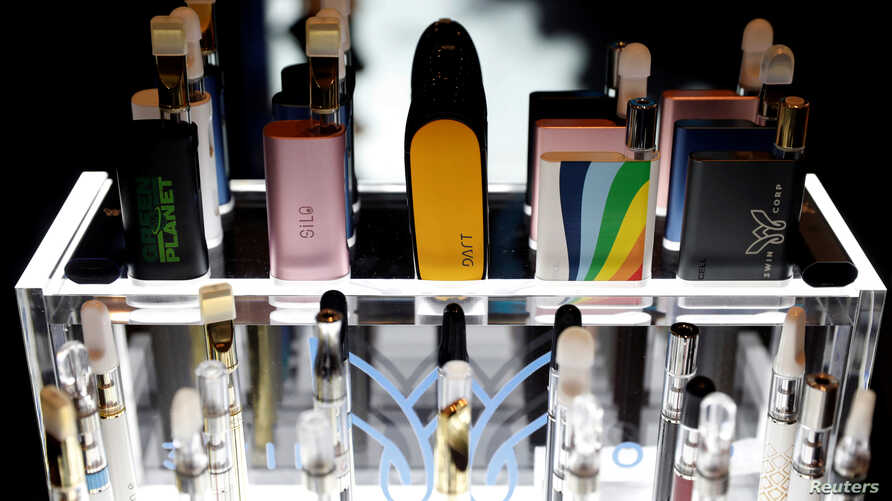 FILE PHOTO: Vaping pen devices are displayed at The Cannabis World Congress & Business Exposition (CWCBExpo) trade show in New York City, New York, U.S., May 30, 2019. REUTERS/Mike Segar/File Photo