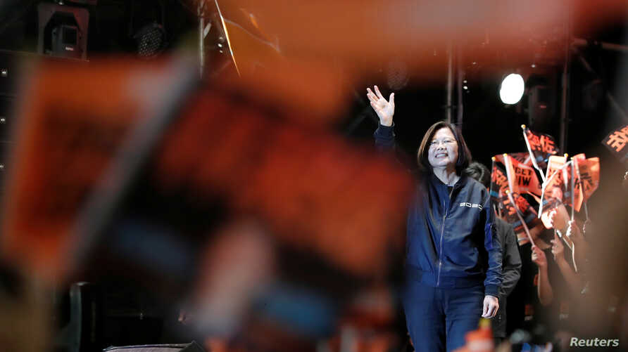 Taiwan President Tsai Ing-wen attends a campaign rally ahead of the presidential election in Taipei, Taiwan December 21, 2019…