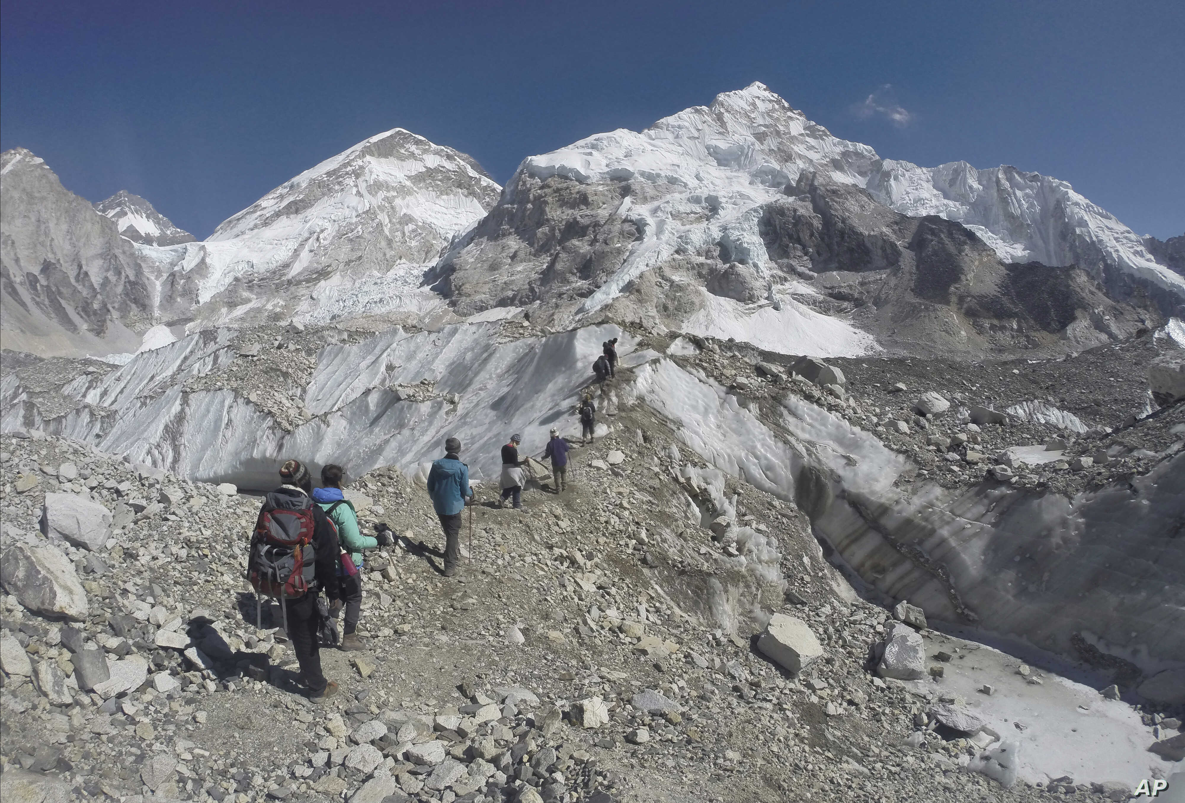 Image of: Everest Climbers Make Ascent To Inspire Others Voice Of America English