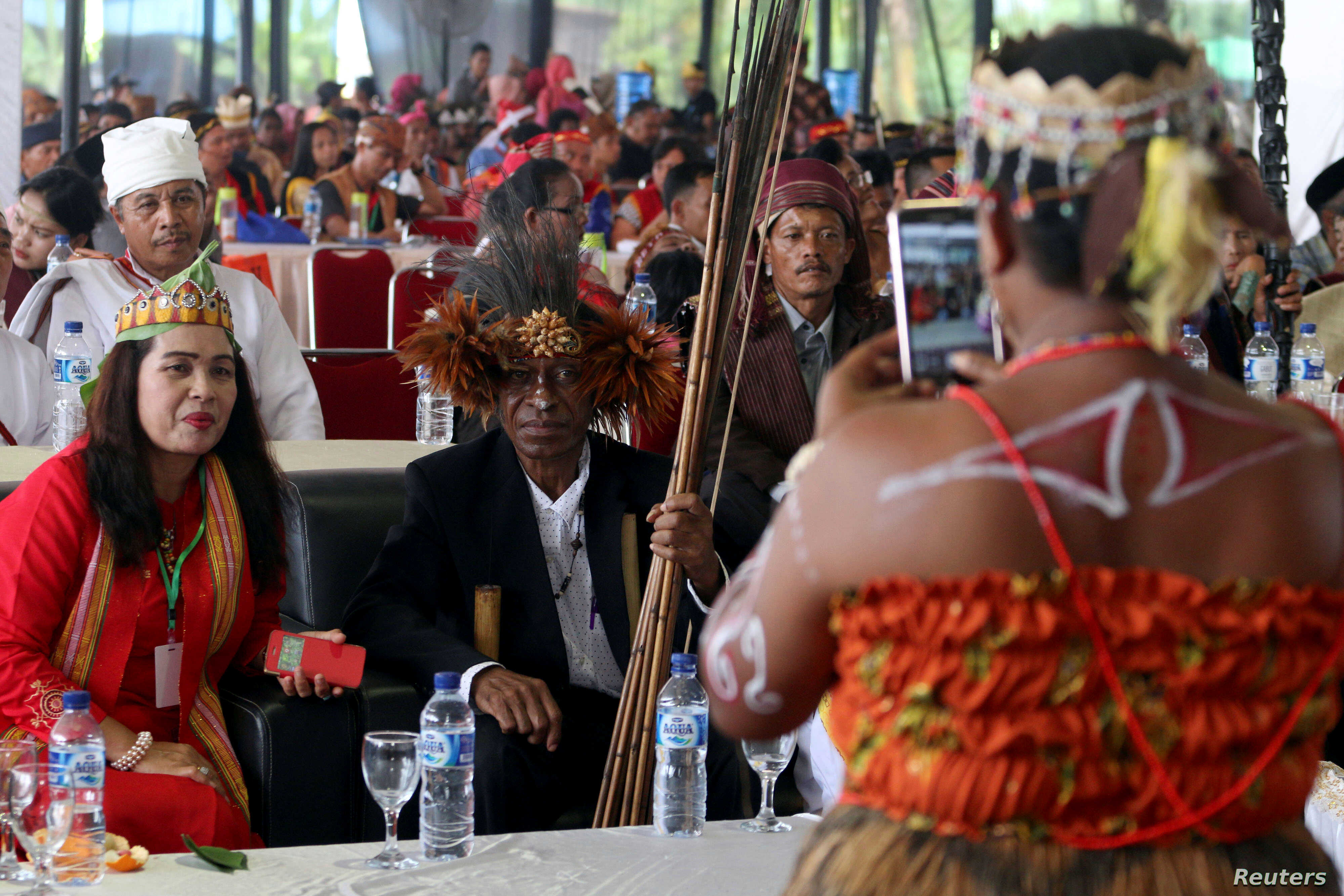 Indigenous Indonesians At A Crossroads Voice Of America English