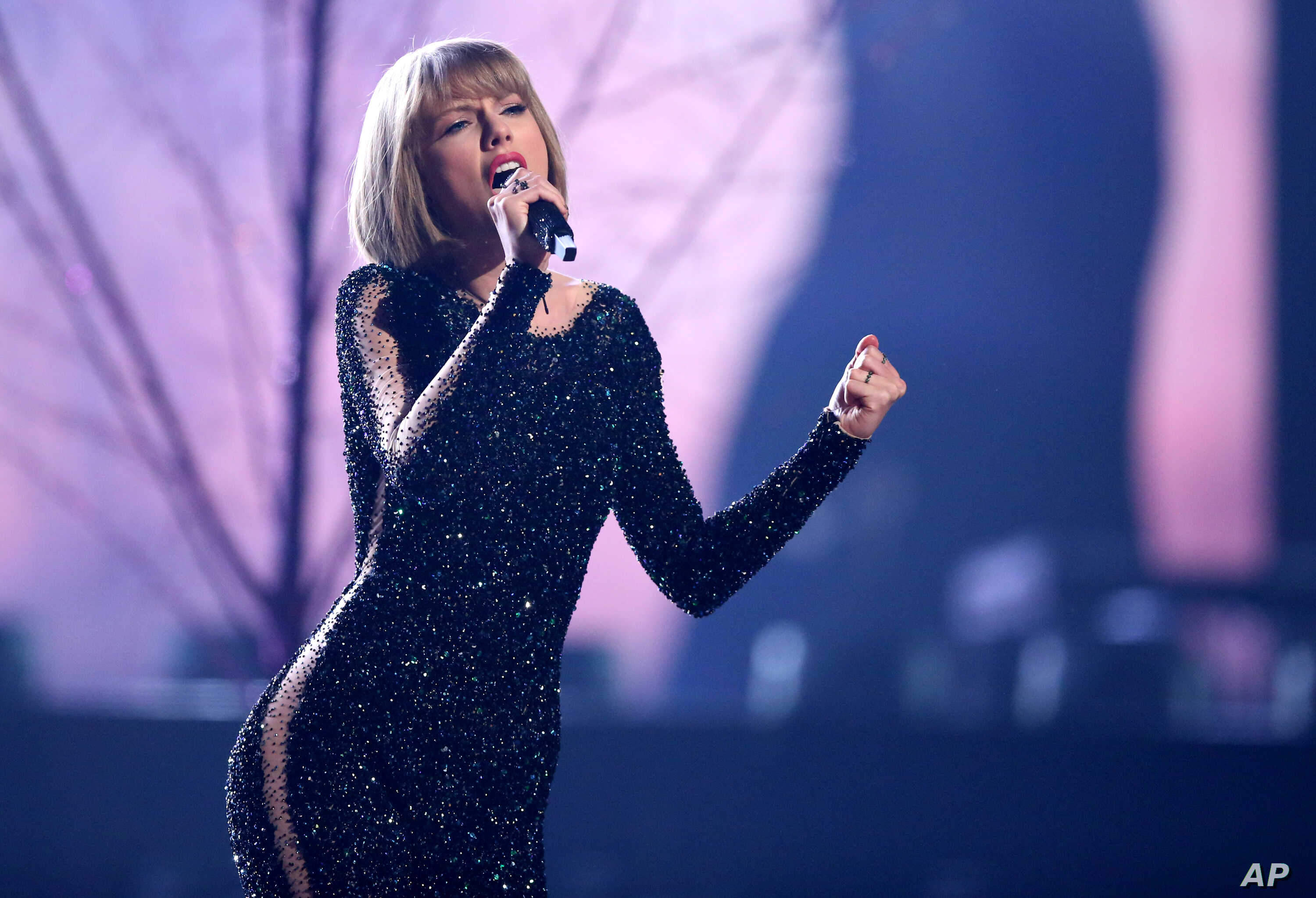 Taylor Swift Tops Forbes 2016 List Of Highest Paid Women In Music Voice Of America English