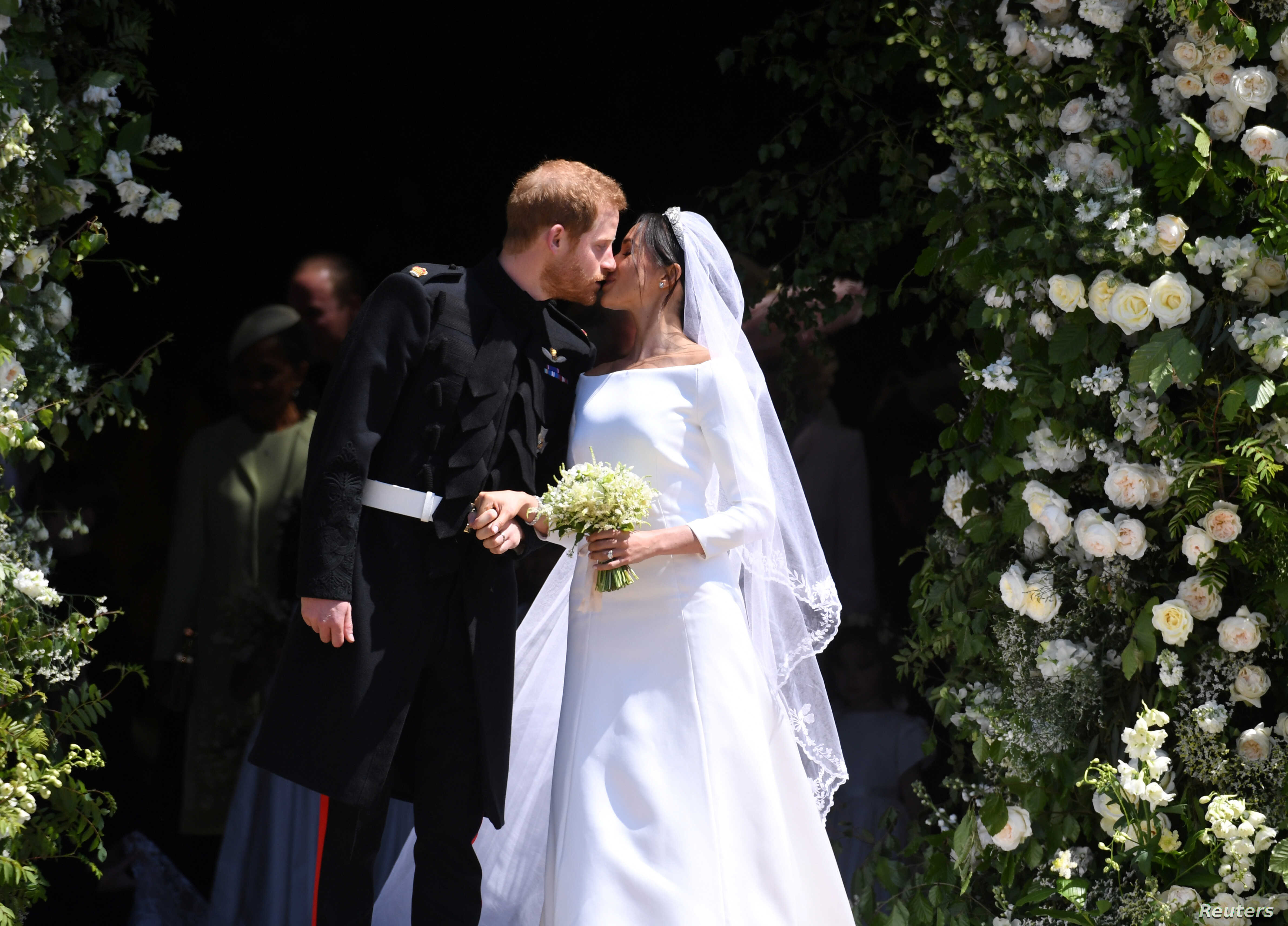 meghan s wedding gown on exhibit at windsor castle voice of america english https www voanews com arts culture meghans wedding gown exhibit windsor castle